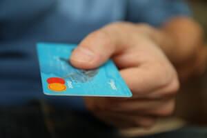 Законно ли приставам списывать деньги с кредита